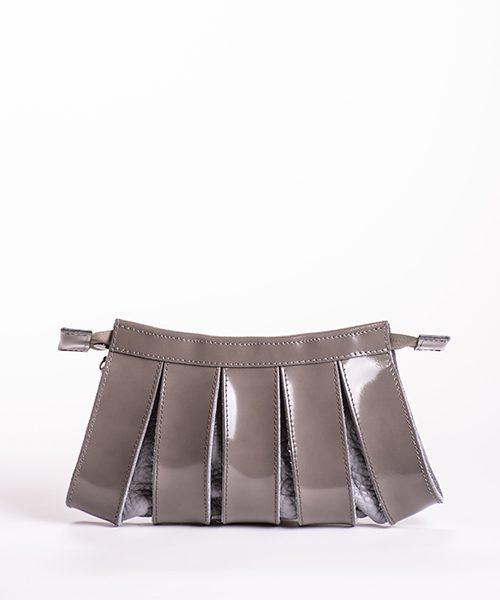 Pochette Nica small con tracolla staccabile, in pelle colore grigio
