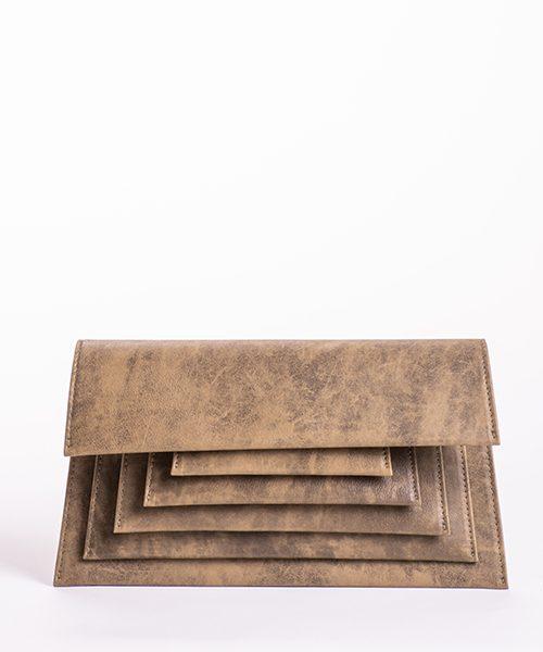 Pochette Mide in camoscio nappato, colore marrone chiaro con stampa effetto macchia
