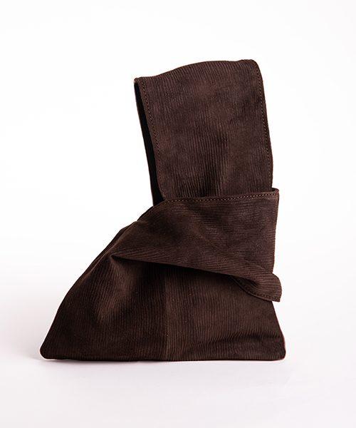 Pochette Kyo da polso in vera pelle, colore marrone testa di moro.