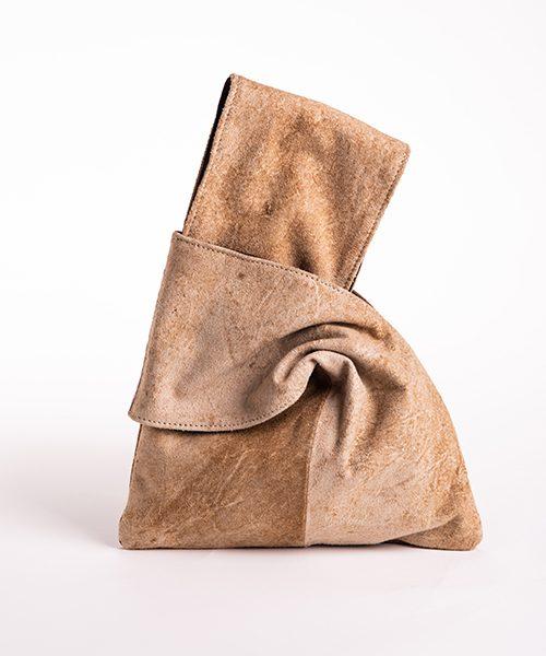 Pochette Kyo da polso in vera pelle, colore beige.