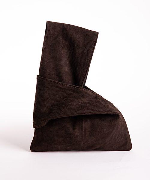 Pochette Kyo da polso in vera pelle, colore marrone scuro.