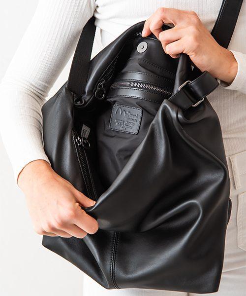 Borsa a tracolla azy, tre scompartimenti, dettaglio interno zip, vera pelle colore nero