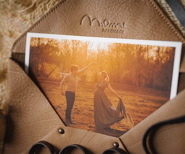 Pochette custodia per fotografie, in pelle colore marrone chiaro